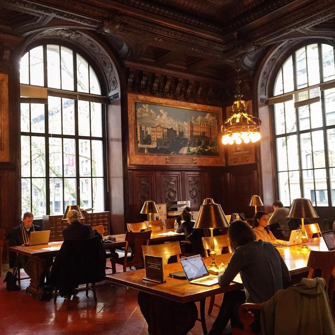 Sssst #newyorkcity #public #library #nyc #publiclibrary #5thavenue #autumninnewyork #gohstbuster #libreria #biblioteca