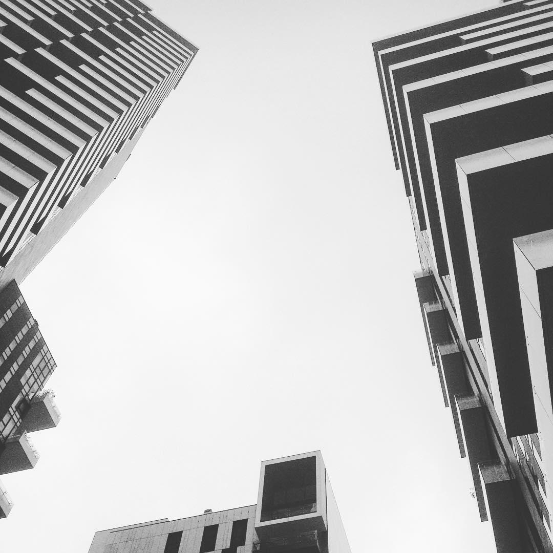 Gotham city ☁️#Sky #milano #cielogrigio #portanuova #piazzagaiaaulenti #architecture