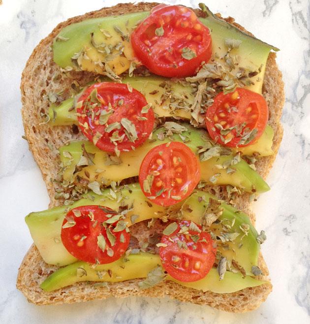 avo-toast-mediterraneo